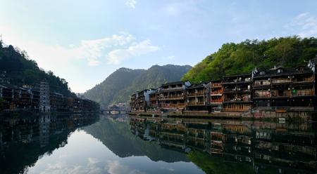 Phượng Hoàng cổ trấn: Cảnh đẹp mê hồn