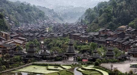 Bản làng của đồng bào dân tộc Động đẹp như trong truyện cổ tích